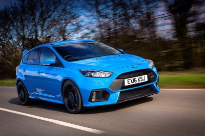 FORD STRETCHES UK MARKET LEAD AND OUTPACES CV RIVALS
