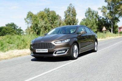 FORD MONDEO VIGNALE CARRIES BRITAIN'S BEST PETROL TOW CAR HONOUR FOR SECOND YEAR