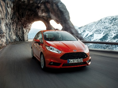 FORD SALES IN EUROPE RISE IN FIRST QUARTER ON NEW PRODUCT; 10TH STRAIGHT MONTH AND 4TH CONSECUTIVE QUARTER SALES GROWTH