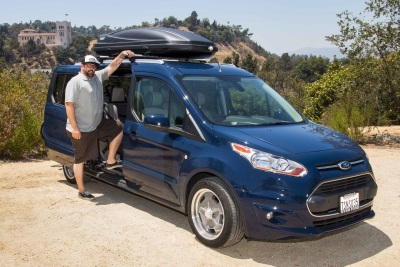 VERSATILE FORD TRANSIT CONNECT WAGON HELPS BALANCE WORK AND PLAY … AND YOUR SIDE BUSINESS