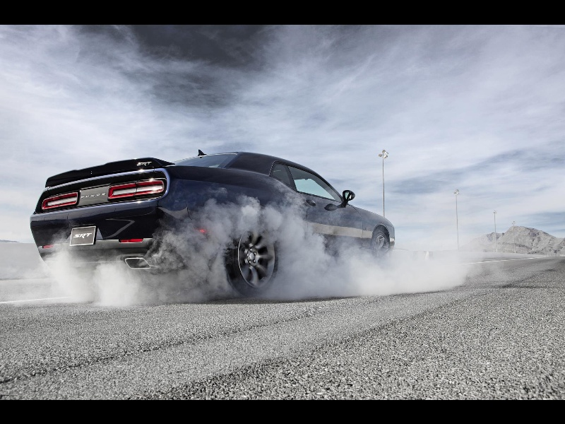 FOUR ENGINES, EIGHT-SPEEDS AND UP TO 707 HORSEPOWER: DODGE ANNOUNCES PRICING FOR ITS NEW 2015 CHALLENGER MODEL LINEUP