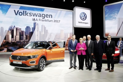 Chancellor Merkel Visits Volkswagen At The IAA: Powertrain Concepts Of The Future Presented