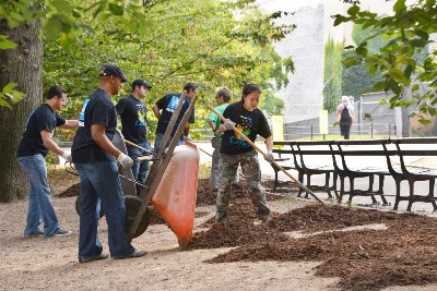 GM FOUNDATION DONATES $100,000 TO NEW YORK'S CENTRAL PARK CONSERVANCY