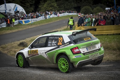 CHAMPIONSHIP BATTLE ENTERS FINISHING STRAIGHT IN GREAT BRITAIN: THREE ŠKODA DRIVERS SET SIGHTS ON THE TITLE