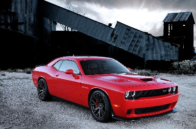 HISPANIC MOTOR PRESS AWARDS NAME ALL-NEW CHRYSLER 200C 'BEST SEDAN' AND DODGE CHALLENGER SRT HELLCAT 'BEST SPORTSCAR'