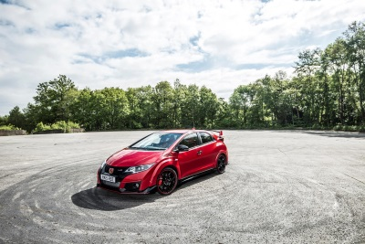 CIVIC TYPE R NAMED MOST POPULAR PERFORMANCE CAR AT HONEST JOHN AWARDS