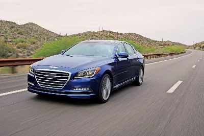 HYUNDAI GENESIS WINS RUEDAS ESPN 'BEST LUXURY SEDAN' AWARD