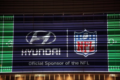 HYUNDAI PROJECTS NEWLY SIGNED NFL SPONSORSHIP ONTO ITS U.S. HEADQUARTERS
