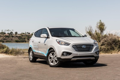 2017 HYUNDAI TUCSON FUEL CELL CONTINUES TO ATTRACT ZERO-EMISSIONS-FOCUSED CUSTOMERS