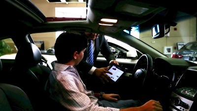 INFINITI ENHANCES THE RETAIL EXPERIENCE WITH INDUSTRY LEADING IN-DEALERSHIP TECHNOLOGY