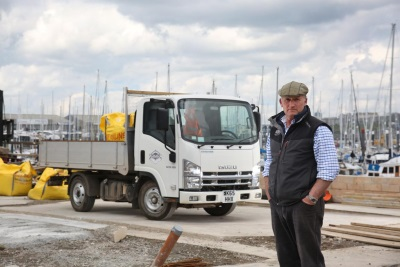 'THE BEST THING I'VE EVER BOUGHT IN MY LIFE!' SAYS HAPPY ISUZU TRUCK CUSTOMER ABOUT HIS 3.5 TONNE 'GRAFTER'