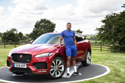 JAGUAR F-PACE KNOCKS OUT THE COMPETITION TO WIN PRESTIGIOUS CAR OF THE YEAR TITLE