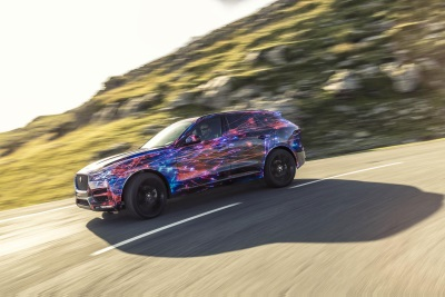 JAGUAR F-PACE: THE ULTIMATE PRACTICAL JAGUAR SPORTS CAR