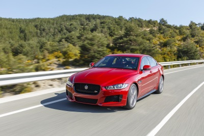 JAGUAR XE CROWNED COMPACT EXECUTIVE CAR OF THE YEAR FOR THE SECOND YEAR RUNNING AT AUTO EXPRESS AWARDS