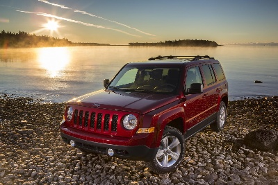 2015 JEEP® PATRIOT AND 2015 JEEP WRANGLER UNLIMITED WIN 5-YEAR COST TO OWN AWARDS FROM KELLEY BLUE BOOK'S KBB.COM