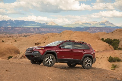 2015 JEEP® CHEROKEE TRAILHAWK NAMED 'FOUR WHEELER OF THE YEAR' BY FOUR WHEELER MAGAZINE