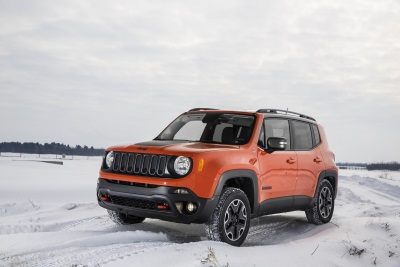 2015 JEEP RENEGADE AND 2015 FIAT 500 NAMED TO THE '10 COOLEST NEW CARS UNDER $18,000' LIST BY KELLEY BLUE BOOK'S KBB.COM
