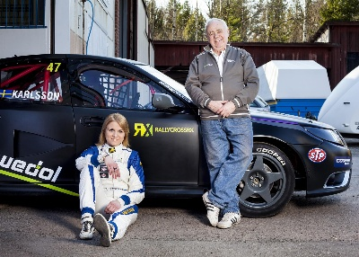 KARLSSON SIGNS AS FIRST FEMALE IN WORLD RX