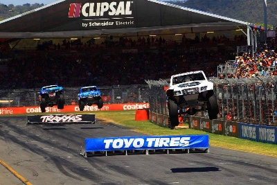 KEEGAN KINCAID WINS STADIUM SUPER TRUCKS CLIPSAL 500 FINALE IN ADELAIDE, AUSTRALIA