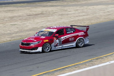 CHAMPIONSHIPS ON THE LINE FOR KIA RACING IN PIRELLI WORLD CHALLENGE SEASON FINALE AT MILLER MOTORSPORTS PARK