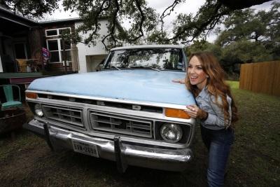Former TV Show Home Designer Kim Lewis Begins New Adventure In 'Pearl,' Her Vintage Ford F-150 Ranger