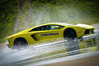 AUTOMOBILI LAMBORGHINI ANNOUNCES THE WORLDWIDE 2015 ESPERIENZA AND ACCADEMIA PROGRAMS