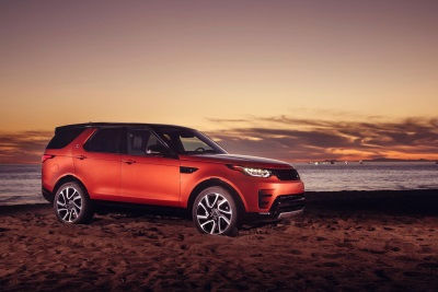 MAKING WAVES: LA SURFERS EXPERIENCE NEW LAND ROVER DISCOVERY AHEAD OF U.S. PREMIERE