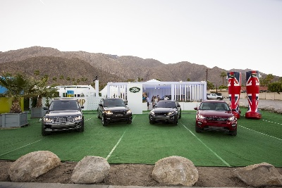 LAND ROVER DISPLAYS FOR THE FIRST TIME THE DISCOVERY SPORT LAUNCH EDITION AT PALM SPRINGS MODERNISM WEEK 2015