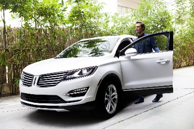 LINCOLN LAUNCHES CAMPAIGN FOR FIRST-EVER MKC WITH ADS FEATURING MATTHEW MCCONAUGHEY