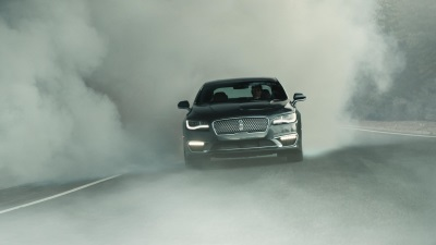 LINCOLN LAUNCHES AD CAMPAIGN WITH MATTHEW MCCONAUGHEY FOR NEW 2017 LINCOLN MKZ