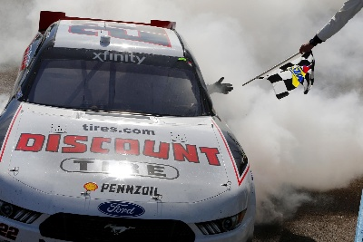 MUSTANG BACK IN VICTORY LANE WITH LOGANO