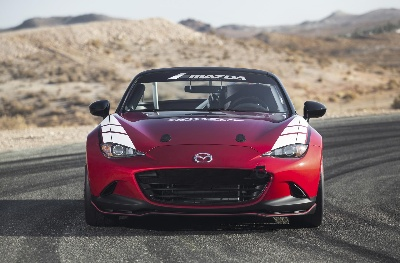 MAZDA WAVES GREEN FLAG ON 2016 GLOBAL MX-5 CUP RACING SERIES