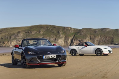 ALL-NEW MAZDA MX-5 RETAINS ROADSTER OF THE YEAR TITLE AT THE AUTO EXPRESS NEW CAR AWARDS