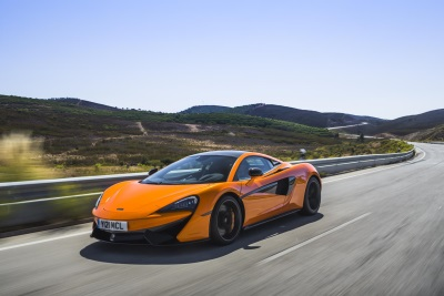 McLAREN 570S COUPE NAMED BEST PERFORMANCE CAR AT UK CAR OF THE YEAR AWARDS