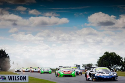 McLAREN 570S GT4 DEVELOPMENT SEASON REACHES NEW HIGH WITH MAIDEN WIN AT SNETTERTON