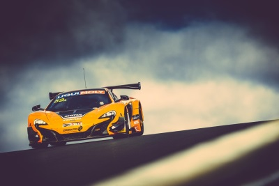 McLAREN 650S GT3 SECURES HISTORIC CLEAN SWEEP ON LIQUI MOLY BATHURST 12 HOUR DEBUT