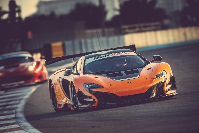THE McLAREN 650S GT3 CLAIMS POLE POSITION FOR THE 2014 GULF 12 HOUR ON ITS DEBUT OUTING
