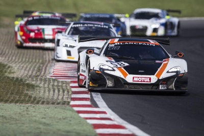 McLAREN GT FACTORY DRIVER ROB BELL TAKES BLANCPAIN GT CHAMPIONSHIP LEAD AT BRANDS HATCH