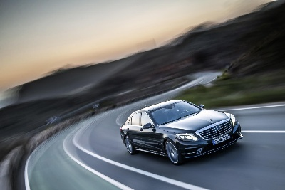 Mercedes-Benz reports further double-digit growth in unit sales