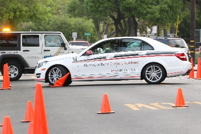 MERCEDES-BENZ DRIVING ACADEMY COACHES TEENS TO BE SAFER DRIVERS WITH DISTRACTED DRIVING DEMONSTRATIONS