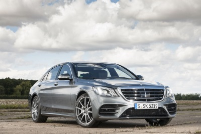 New Mercedes-Benz S-Class Named 'Best Luxury Car' By Parkers