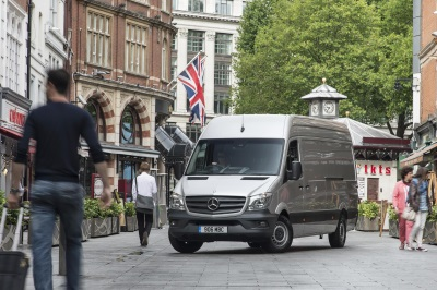 RECORD-BREAKING SPRINTER WINS 'FLEET VAN OF THE YEAR' FOR NINTH TIME AT MOTOR TRANSPORT AWARDS