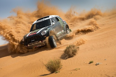 MINI AND THE X-RAID TEAM WILL LINE UP AT THE 2014 RALLY DAKAR WITH THE MINI ALL4 RACING