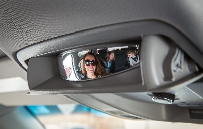 MOM-INSPIRED MIRROR HELPS DRIVERS KEEP TABS ON KIDS