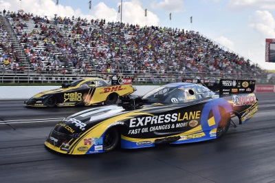 TEAM MOPAR IN HOT PURSUIT OF NHRA CHAMPIONSHIP
