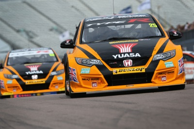 NEAL AND SHEDDEN ZEROING IN ON TITLE SHOWDOWN AS BTCC SPEEDS INTO SILVERSTONE