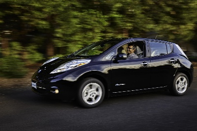NISSAN DELIVERS 75,000TH ALL-ELECTRIC LEAF IN THE U.S. TO OREGON FAMILY