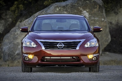 NISSAN ALTIMA NAMED ONE OF THE '10 BEST SEDANS UNDER $25,000' BY KELLEY BLUE BOOK'S KBB.COM
