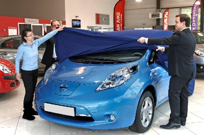 Nissan Leaf Charges Through 10,000 European Sales Milestone