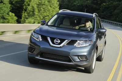 NISSAN ROGUE CROSSOVER'S HOT SALES CONTINUE AS IT READIES FOR 2016 WITH NEW FEATURES AND TECHNOLOGY